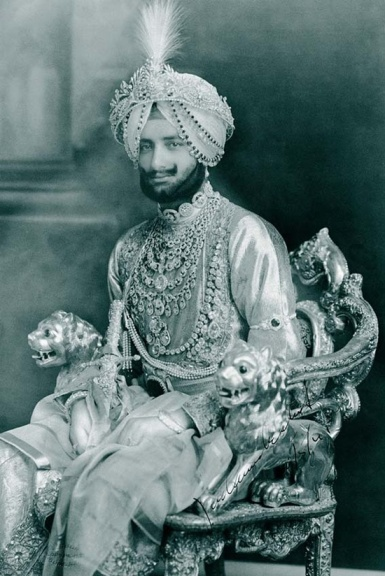 The grand Maharaja of Patiala with his Cartier necklace (can we still call it a necklace?!)